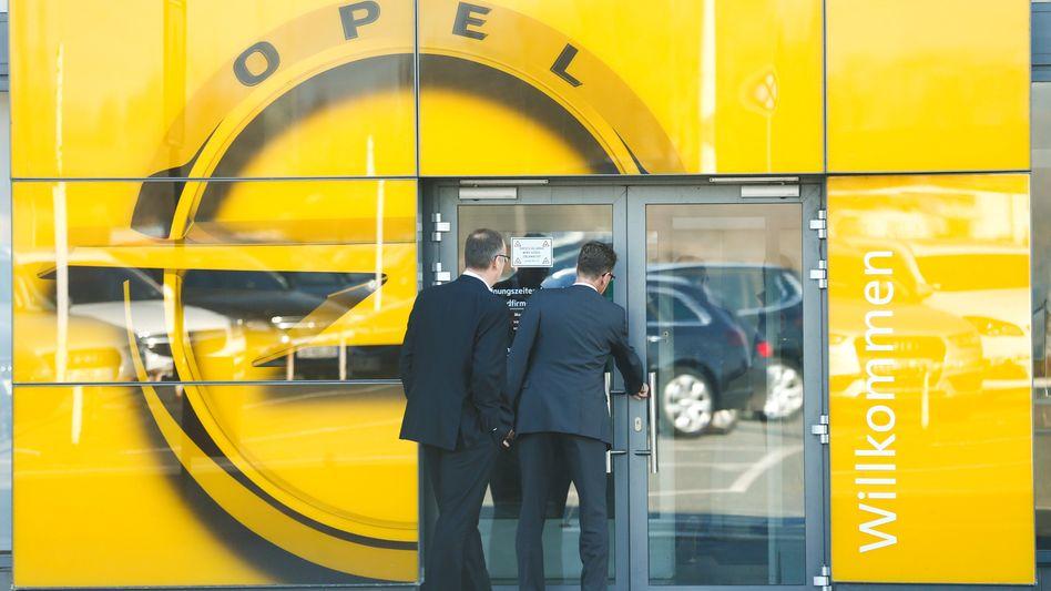 Opel in Rüsselsheim: Am Stammsitz ist auch die Verwaltung und Entwicklung von Kurzarbeit betroffen