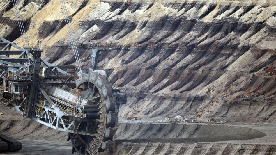 Braunkohlebagger im Rheinland: Norwegens Staatsfonds ist der zweitgrößte Anteilseigner an RWE