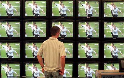 Welcher Sender überträgt 2006 welche WM-Spiele? Vergabepoker um die Fußballrechte