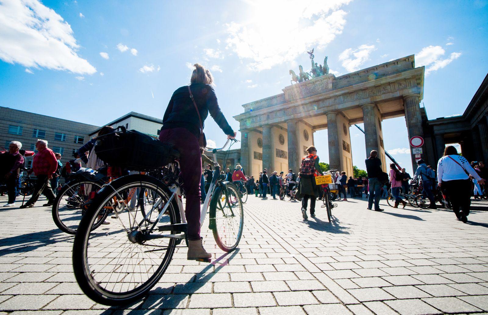 Frühlingswochenende in Berlin/ Brandenburger Tor