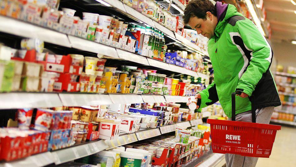 Qual der Wahl am Kühlregal: Wenn es um die Auswahl der Einkaufsmöglichkeiten geht, sieht es nach Ansicht des Kartellamts in Deutschland weniger gut aus.