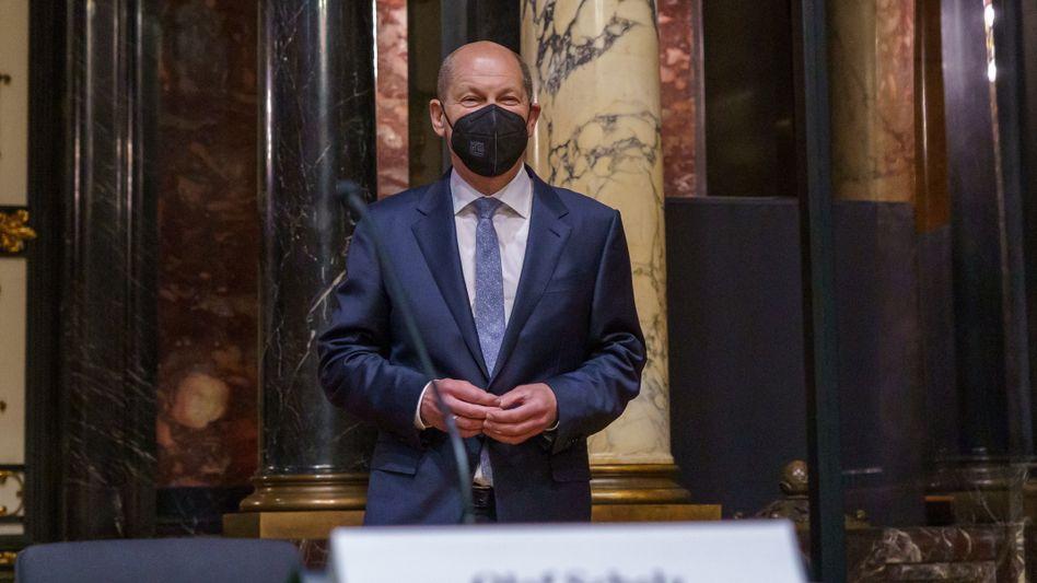An alter Wirkungsstätte: SPD-Kanzlerkandidat Olaf Scholz im Hamburger Rathaus