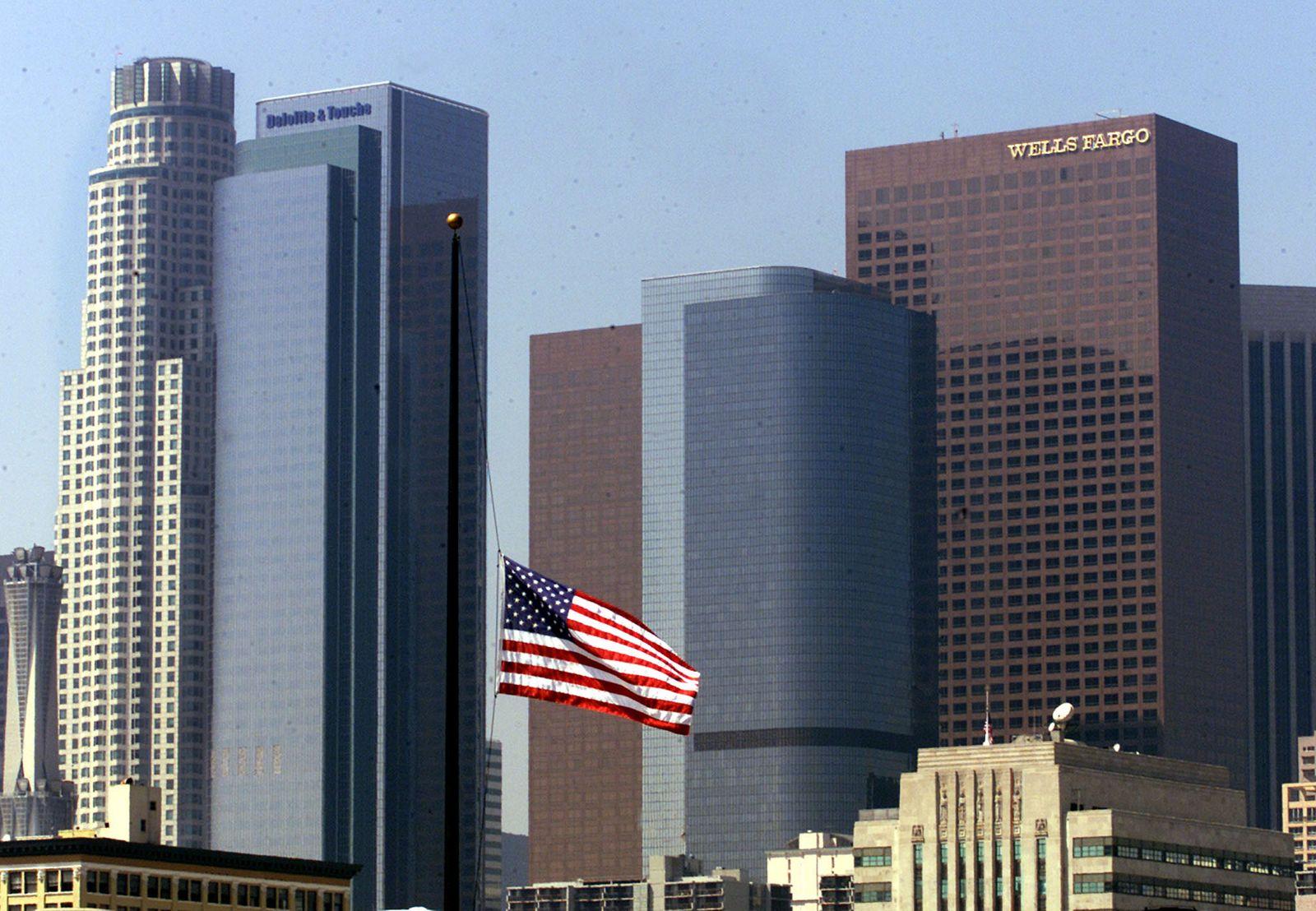 Los Angeles / skyline / US Flagge