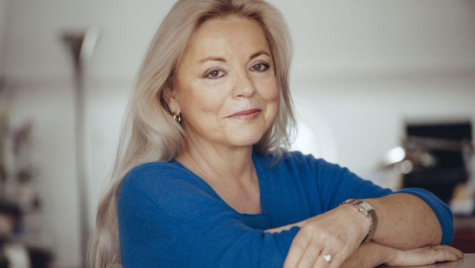 """Christine Grän ist Schriftstellerin, ihr letztes Buch: """"Amerikaner schießen nicht auf Golfer"""" - 18 Storys über Golf und das Leben"""