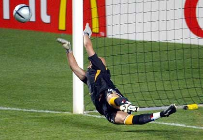 Fabien Barthez: Elfmetertöter gegen Beckham
