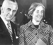 Momentaufnahme des Wirtschaftswunders: Günthers Sohn Herbert Quandt mit seiner Frau Johanna im April 1971