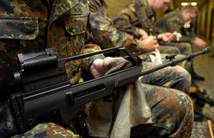 Waffen an Unternehmen?: Die Bundeswehr will ihren Logistikbereich auslagern