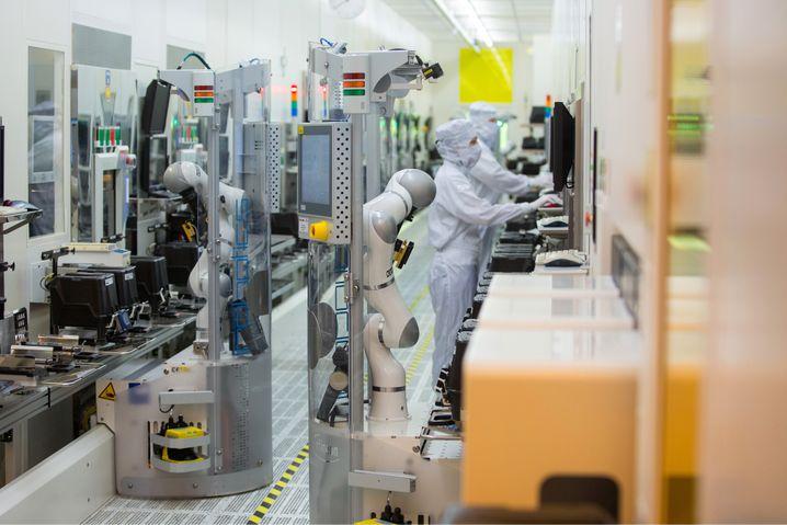 Fabriken for Future No. 2: Infineon hat mit der Automatisierung und Vernetzung seiner Werke Maßstäbe gesetzt.