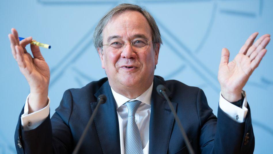 Armin Laschet ist als Unions-Kanzlerkandidat gesetzt: Sein Gegenspieler, CSU-Chef Markus Söder, akzeptiert den Beschluss des CDU-Bundesvorstands und zieht seine Kandidatur zurück