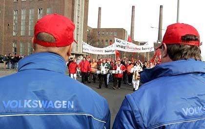 """""""Kurzfristig kampfbereit"""": VW-Arbeiter in Wolfsburg"""
