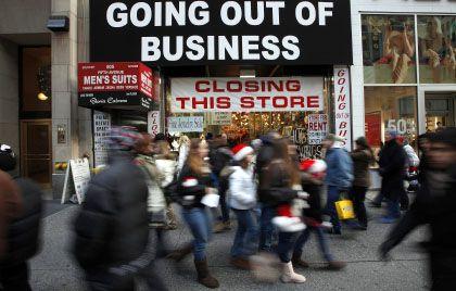 Düstere Zeiten: Weltweit kühlt das Wirtschaftsklima ab