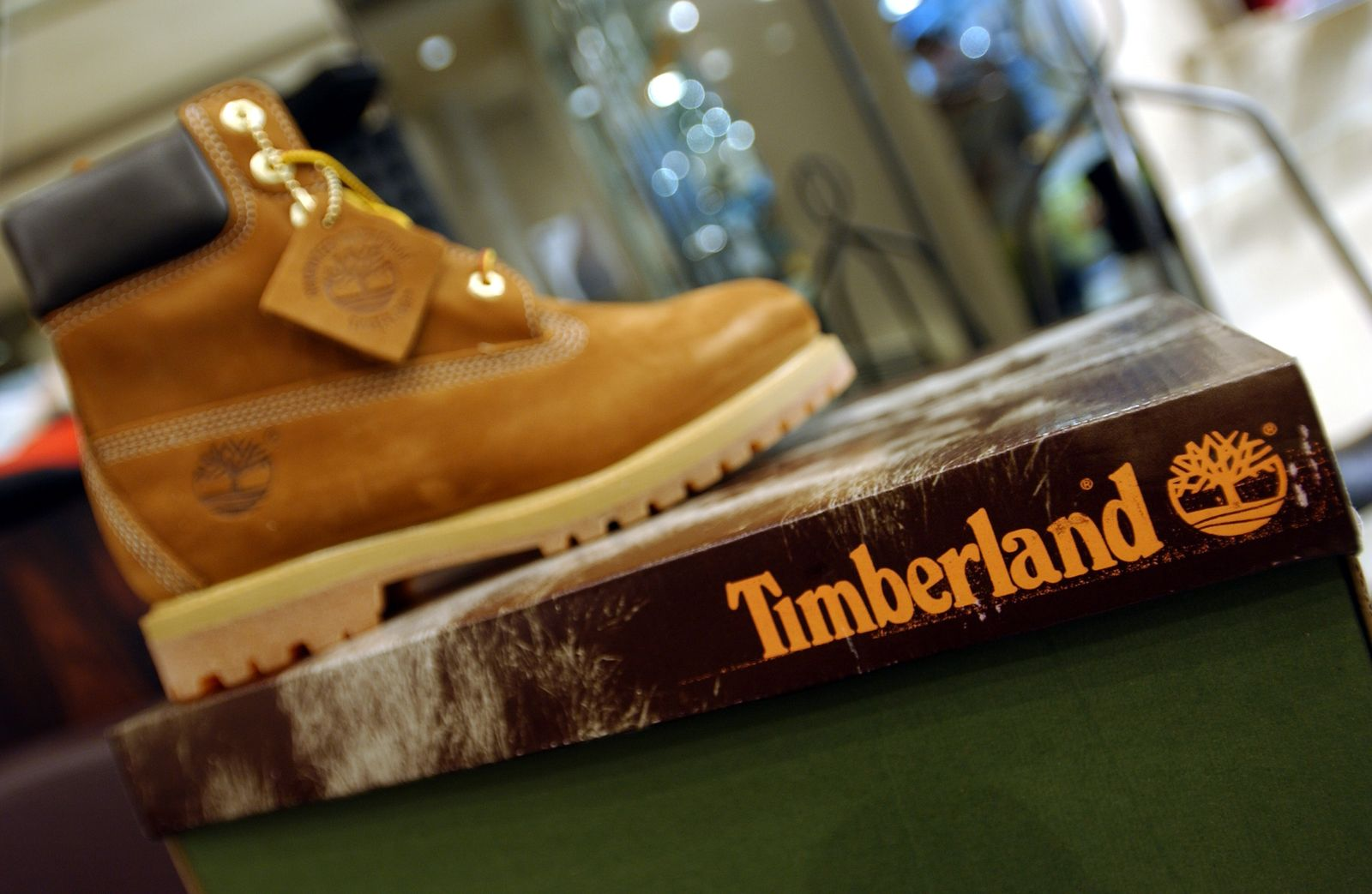 FRANCE-CHAUSSURES-TIMBERLAND-ILLUSTRATION