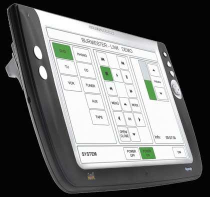 Für Technikfreunde: Mit dem Crestron schwar werden Vorverstärker, CD-Player und Surroundprozessoren gesteuert