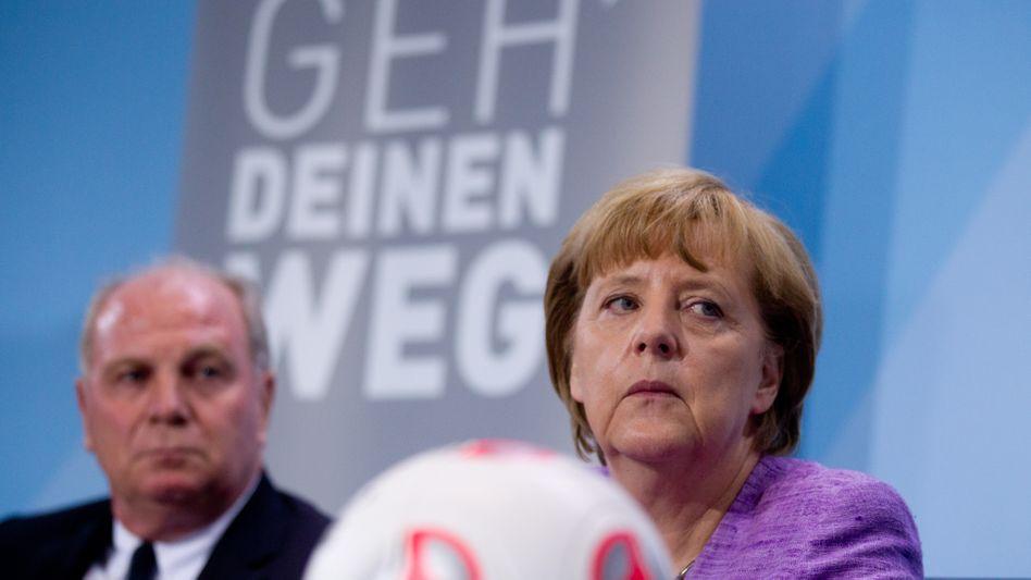 """Merkel, Hoeneß (links): """"Eine andere, traurige Facette hinzugekommen"""""""
