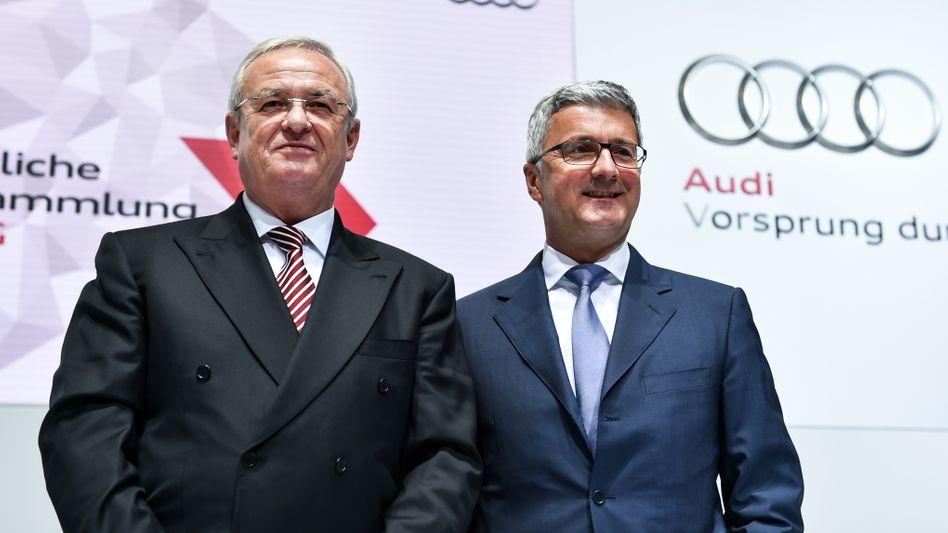Aktienrechtliche Sorgfaltspflichtverletzungen: Das wirft der Volkswagen-Konzern seinen ehemaligen Managern Martin Winterkorn (links) und Rupert Stadler vor