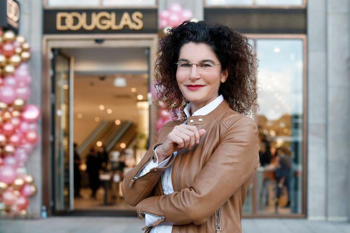 Frau mit Superkräften: Douglas-CEO Tina Müller