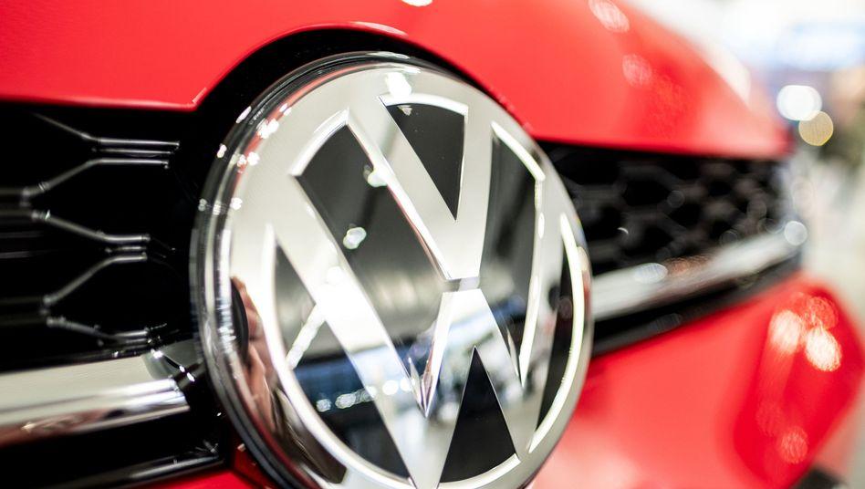Volkswagen: Der VW Konzern plant bis zu drei Gigafabriken in Deutschland. Doch die aktuellen Zell-Lieferanten torpedieren die Pläne