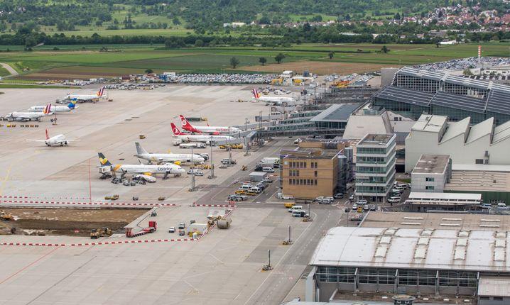 Baden-Württemberg will den Betrieb an allen Flughäfen in dem Bundesland wegen des Coronavirus einstellen