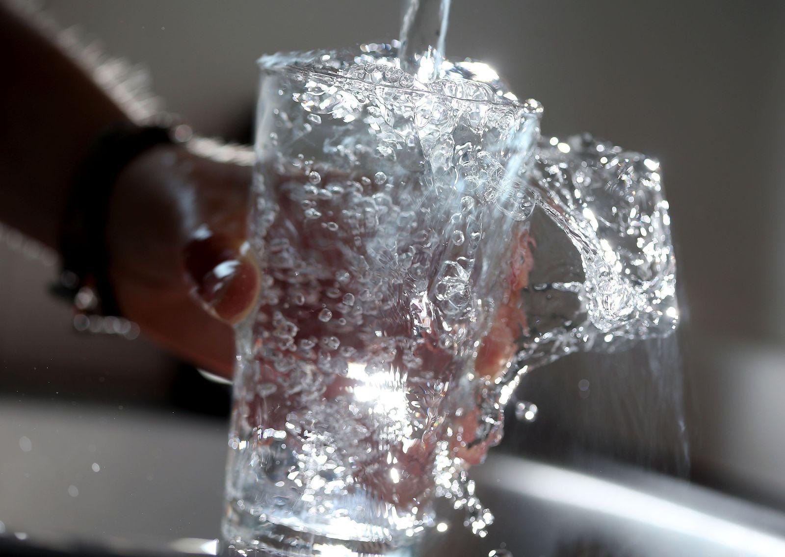 Symbol/ Trinkwasser/ Wasserhahn/ Leitungswasser/