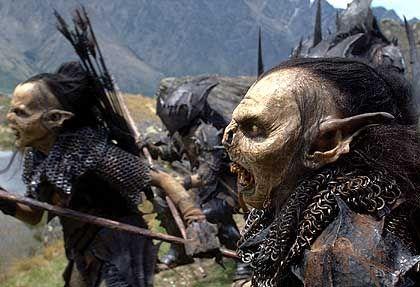 Die Orks lehren Hobbit Frodo das Fürchten.