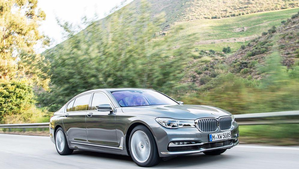 BMW 750 Li xDrive: Fahrübungen ohne Fahrer