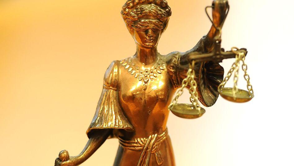 Justitia: In Schweden soll sie zwischen Anlegern und Investmentfondsanbieter abwägen