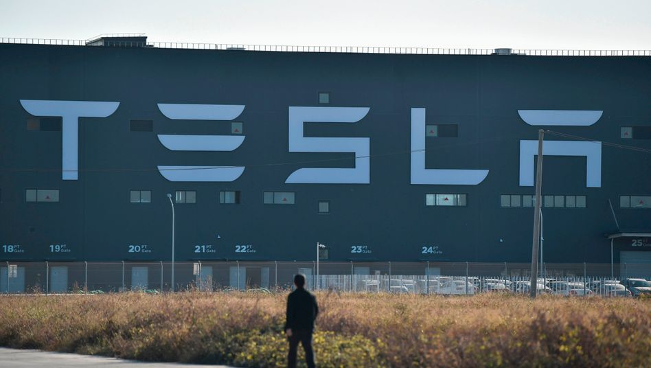 In Grünheide ist man noch nicht ganz so weit: Das hier ist Teslas neue Fabrik in Shanghai.