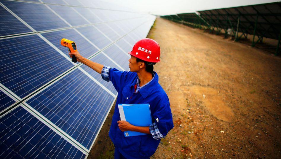 Solarkraftwerk in China: Öksotrom-Anlagen lassen sich rasch installieren - und helfen so dabei, den wachsenden Energiehunger zu stillen