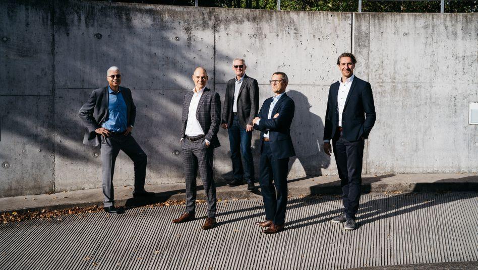 Revolution im Anzug:Die Gründer von ASCon Systems:Raimund Menges(links),Mathias Stach, Uwe Rettich,Kilian Grefenund Alexander von Klein (v. l.)