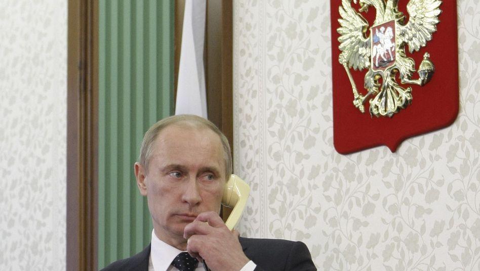 Russlands alter und neuer Präsident Putin: In einem Telefongespräch mit US-Präsident Obama teilte Putin mit, dass Medwedew an seiner Stelle zum G8-Treffen kommen wird