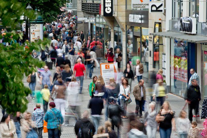 Shop until you drop: Flatrates für die Fußgängerzone würden alles so viel einfacher machen