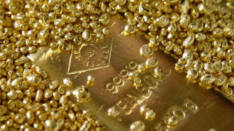 Gold wirft weder Zinsen noch Dividenden ab, ist als Krisenwährung aber dennoch beliebt