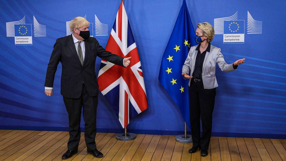 Mein Stoff, Dein Stoff: Beim Impfen entdecken Boris Johnson (GB) und Ursula von der Leyen (EU) auf neue Differenzen