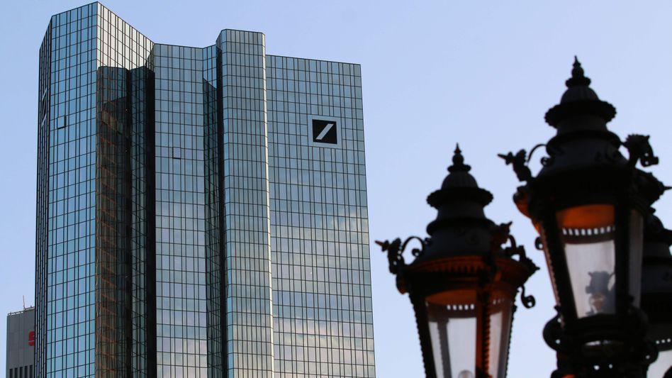 Deutsche Bank: Auf den Kursrutsch folgt der Rauswurf aus dem EuroStoxx 50