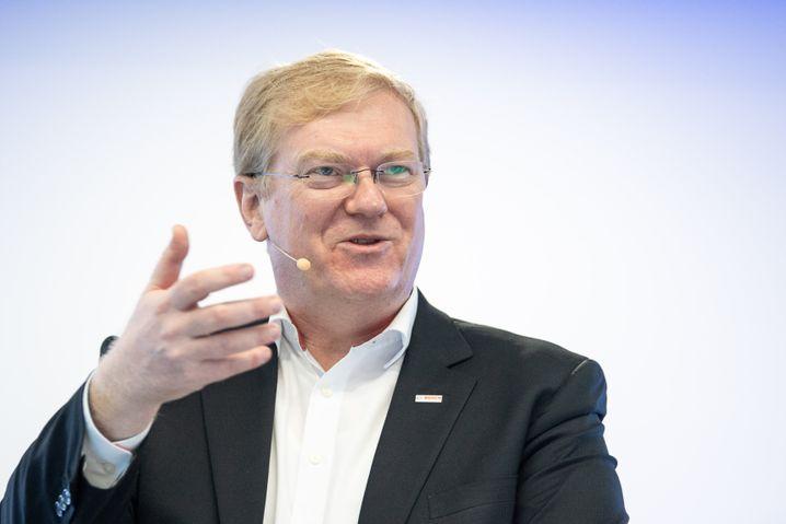 ... und übergibt die Führung zum Jahresende an Stefan Hartung