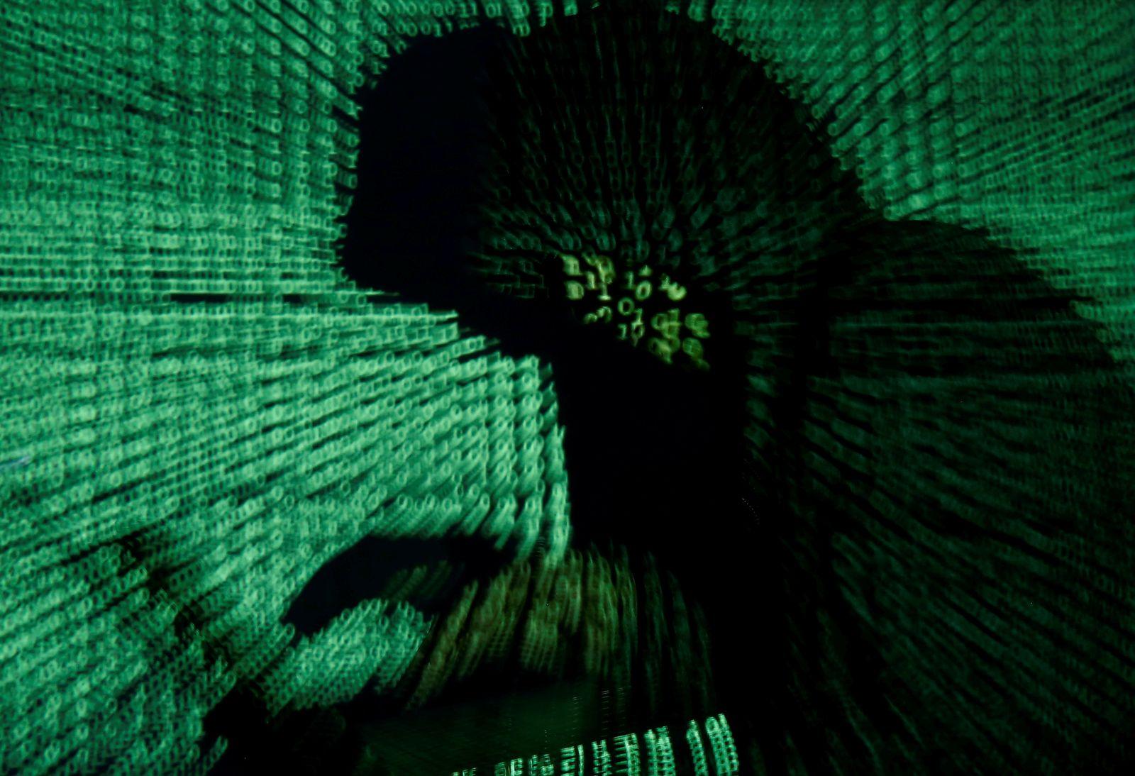 Symbolbild Hacker/ Cyber Code