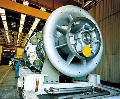 ... und bei Kraftwerken konkurrieren Siemens und GE direkt miteinander