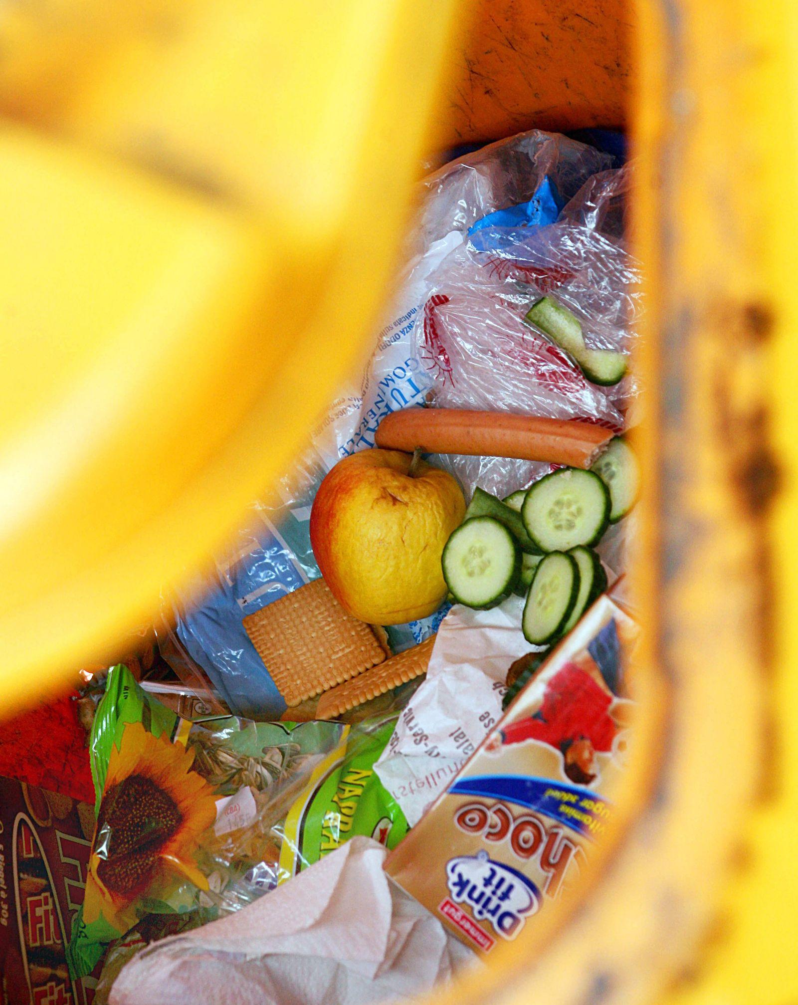 Lebensmittelverschwendung / Mülltonne
