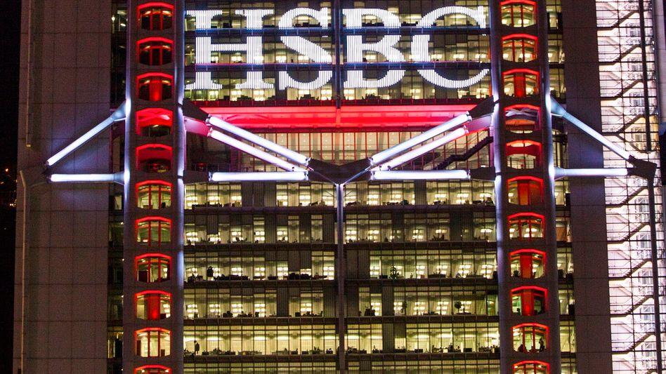 Weltweit vertreten: HSBC will bis 2017 durch Kündigungen und Verkäufe von einzelnen Geschäftsbereichen bis zu 50.000 Vollzeitstellen abbauen