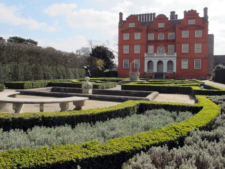 Die Londoner Kew Gardens sind berühmt für ihre Pflanzensamenbank. Besucher lockt aber eher das weitläufige Areal mit 80 Hektar Fläche.