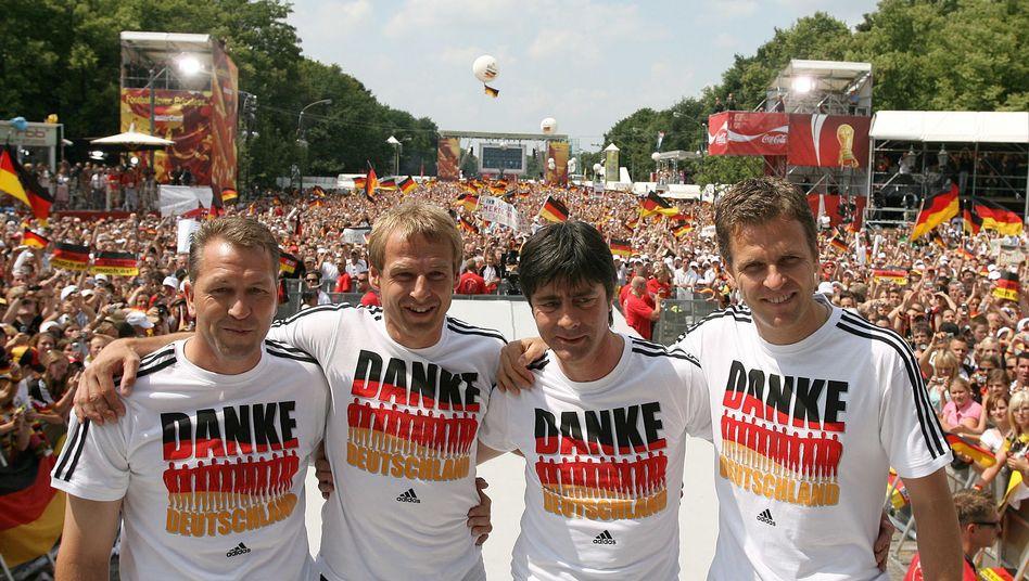 Sommermärchen 2006 - Deutschland erreichte damals den 3. Platz bei der Weltmeisterschaft im eigenen Land. Doch abgehakt ist das Großereignis damit noch lange nicht. Nun hofft die Schweizer Bundesanwaltschaft auf eine Datei des DFB