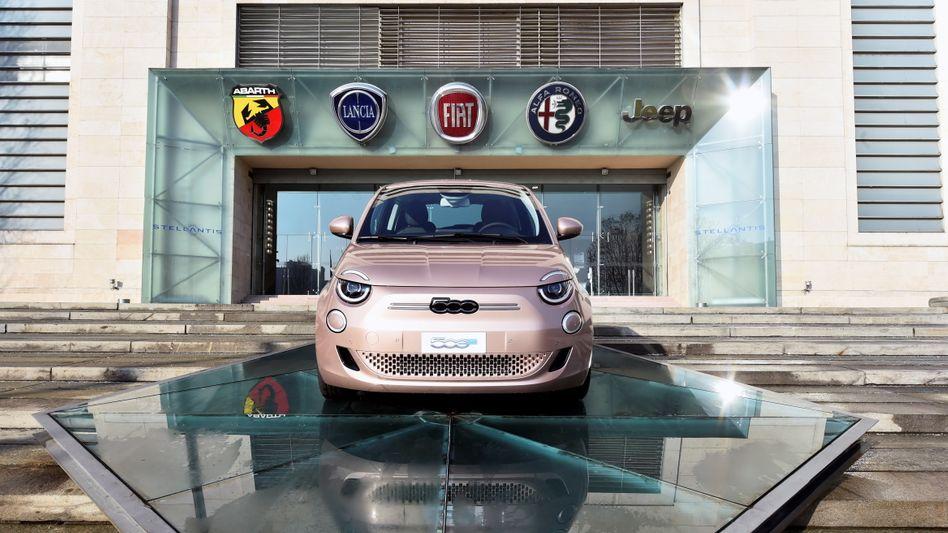 Vielmarken-Konzern Stellantis: Wegen des weltweiten Chipmangels produzierte der Autobauer mit 14 Marken deutlich weniger Fahrzeuge als geplant