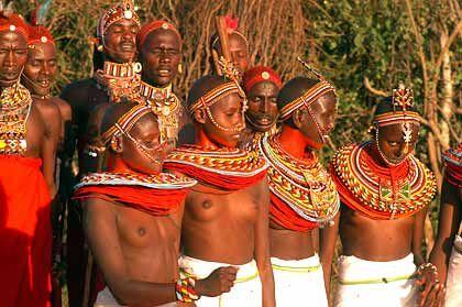 Samburu Bewohner beim Tanz in ihrer Manyatta