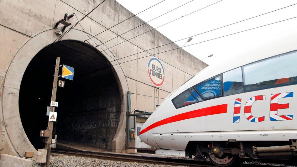 Siemens-ICE auf Werbetour: Hochgeschwindigkeitszüge des Münchener Unternehmens sollen unterhalb des Ärmelkanals fahren, die Auslieferung der Züge verzögert sich aber offenbar