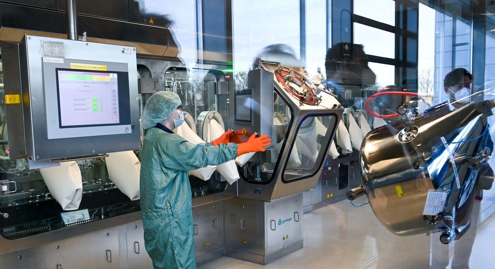Spahn besucht Impfstoffhersteller IDT Biologika