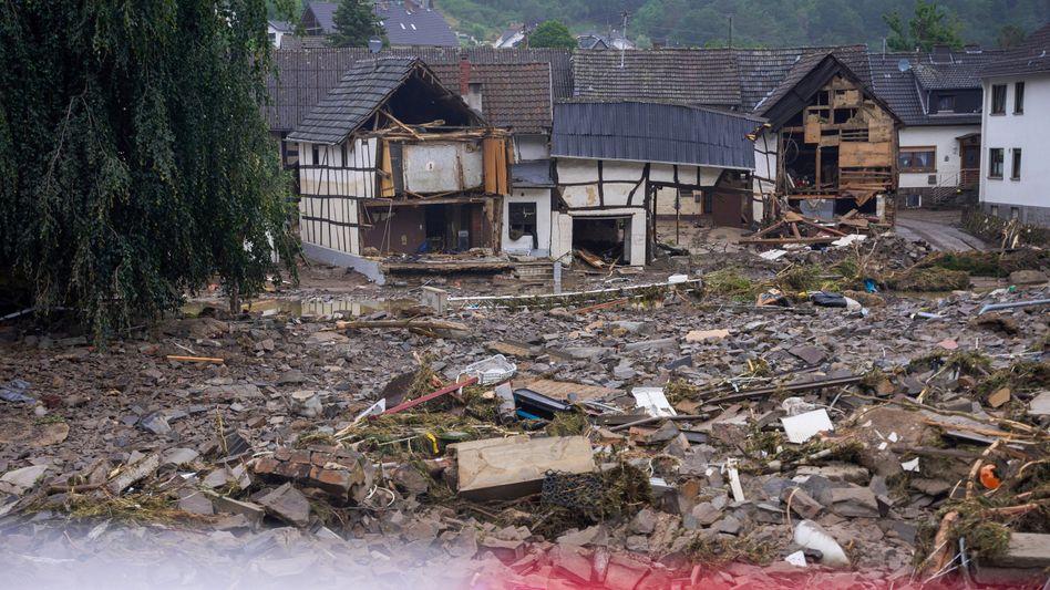 """Trümmer nach der Flut in Bad Neuenahr-Ahrweiler in Rheinland-Pfalz: """"Wer keinen Fluss in der Nähe hat, der unterschätzt oft das Risiko"""""""