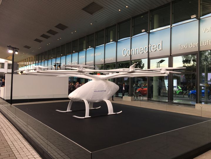 Up up and away: Daimlers Volocopter-Elektrodrohne