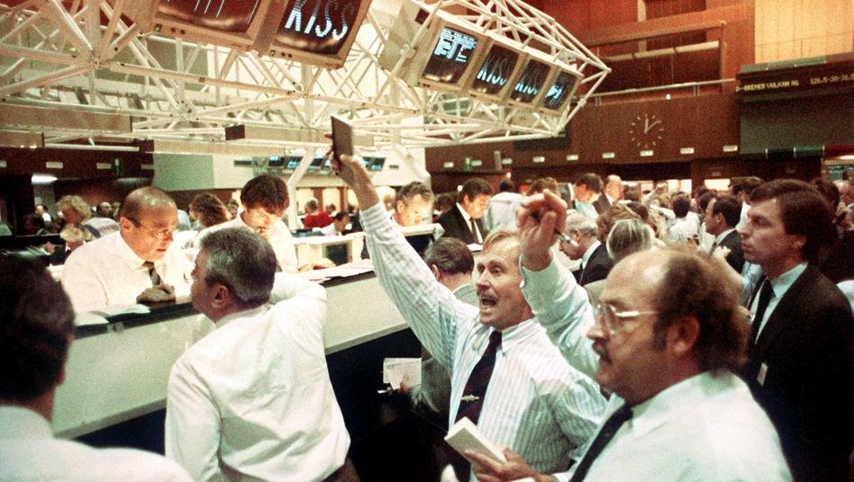 Schwarzer Montag: Am 19. Oktober 1987 erlebt die Wall Street ihren bislang schwärzesten Tag, die Kurse an der Aktienbörse in Frankfurt (Archivbild) stürzten ebenfalls