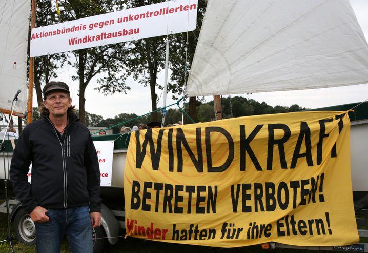 """Protest gegen den """"unkontrollierten Windkraftausbau"""" in Mecklenburg-Vorpommern: Angst um die Heimat und die Gesundheit"""