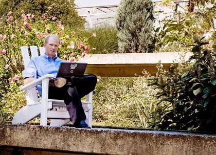 Michael Jaeger Head of Industrial Relations, Unilever Deutschland Warum er pausierte: Nach einem nervenaufreibenden Merger-Projekt wollte er einmal durchatmen. Was er unternahm: Jaeger nahm ein Jahr frei, schrieb zuerst ein Fachbuch und reiste dann ein halbes Jahr durch Neuseeland. Was es brachte: Der Ausbruch aus der wohlorganisierten Konzernwelt zeigte ihm, dass es möglich ist, überall bei null anzufangen.